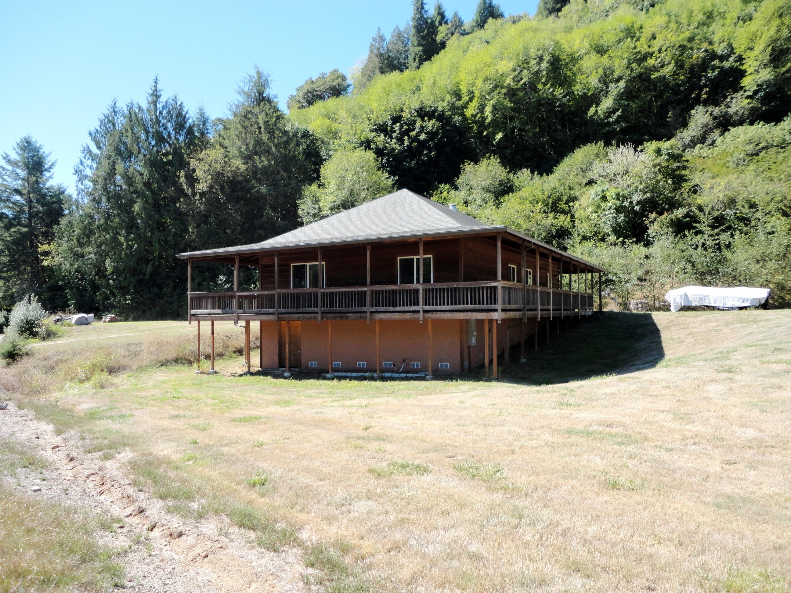3380 N Fork Smith River Rd, Reedsport, Oregon 97467