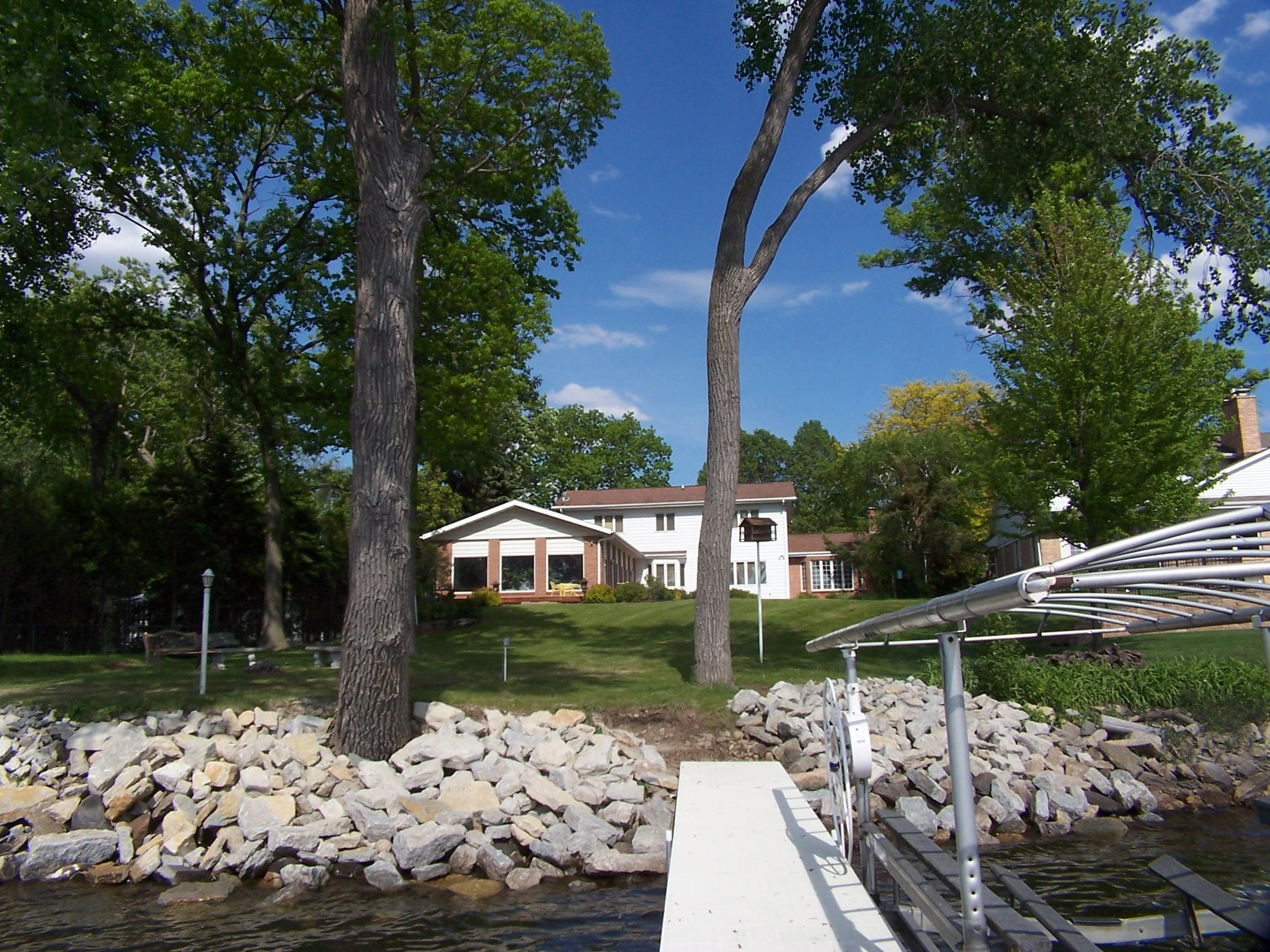 1120 Lake Shore Dr, Beaver Dam, Wisconsin 53916