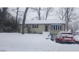 Home For Sale at 6 3rd Street, Oakland NJ