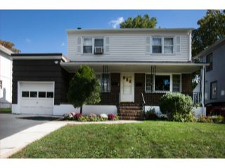 Home For Sale at 27 Irving Pl, Bergenfield NJ