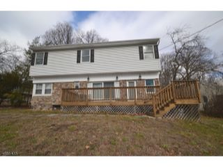 Home For Sale at 4 Apache Trail, Rockaway Twp NJ