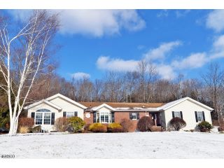 Home For Sale at 3 Garsson Ln, Blairstown NJ