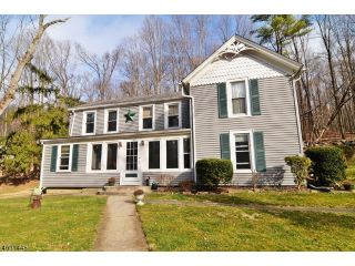 Home For Sale at 77 Catswamp Rd, Allamauchy Twp NJ
