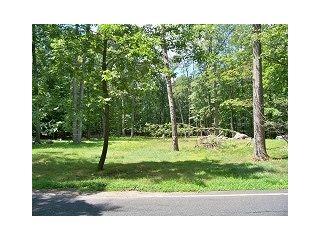 Home For Sale at 471 Laurel Ln, Kinnelon NJ