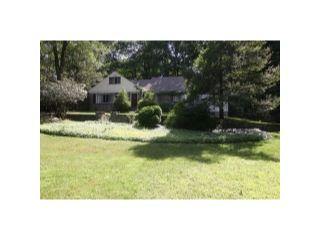 Home For Sale at 31 Gravel Hill Road, Kinnelon NJ