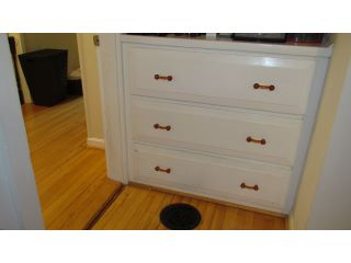 Built_In_Chest_of_Drawers