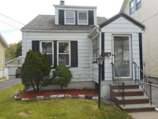 Home For Sale at 78 Van Ness Dr, Maplewood NJ