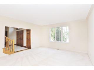 27_Living Room