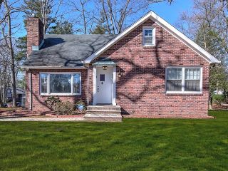 Home For Sale at 527 Ryders Lane, East Brunswick NJ