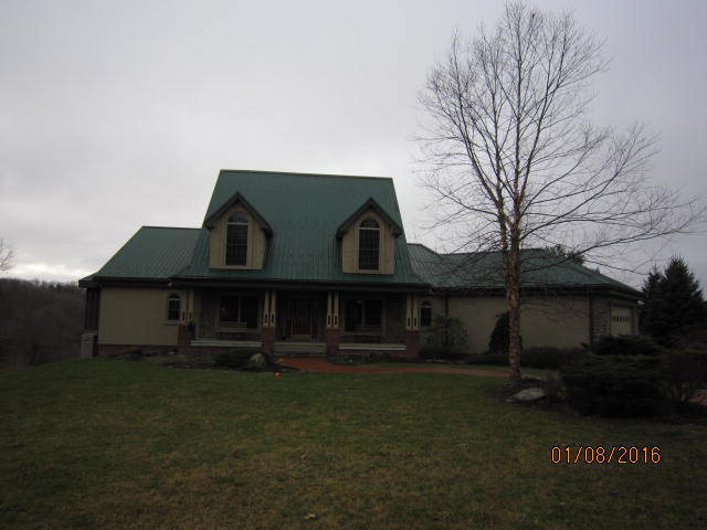 521 Laurel Creek Rd, Athens, WV 24712