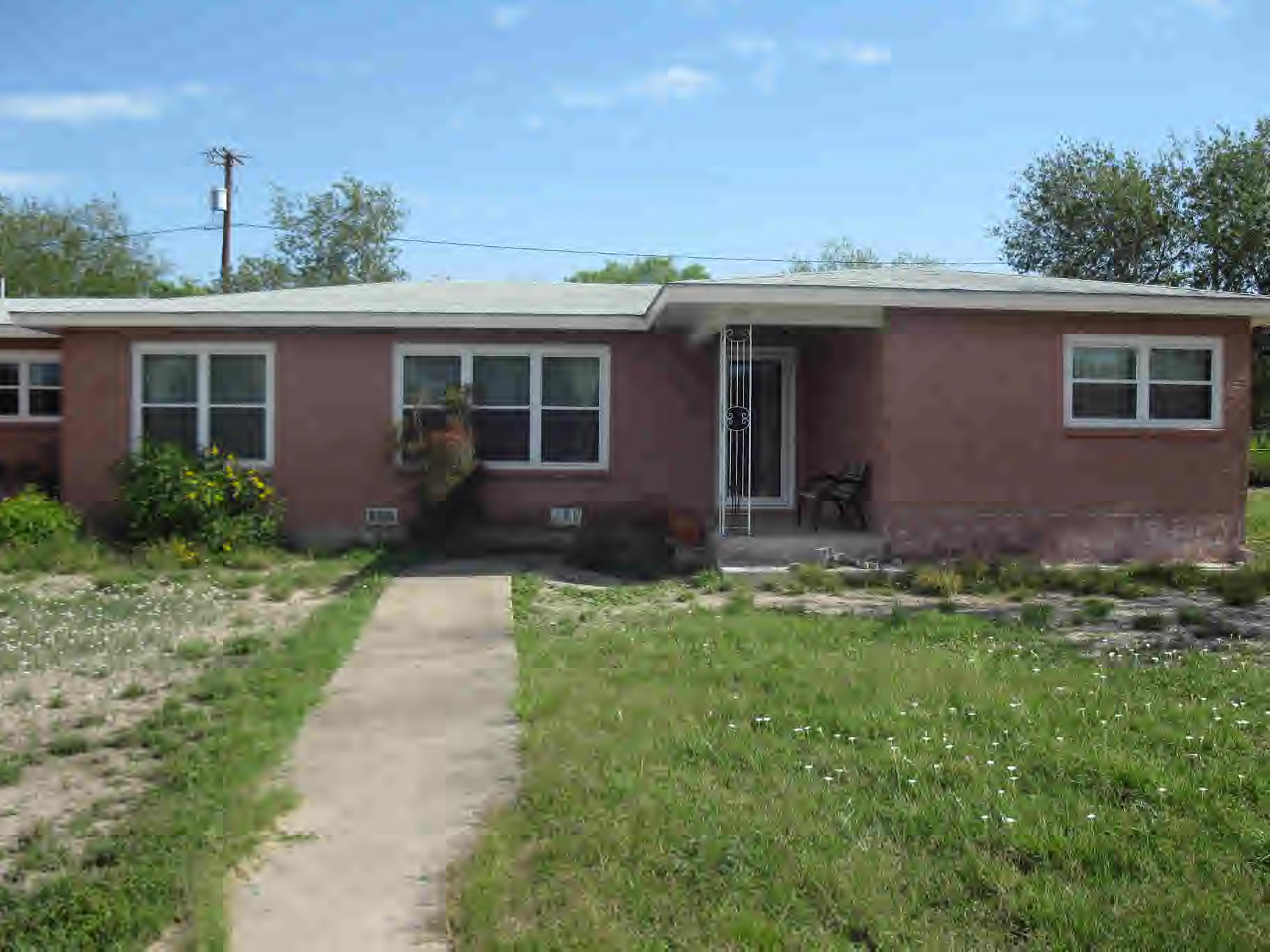 610 Huisache, Freer, Texas 78357