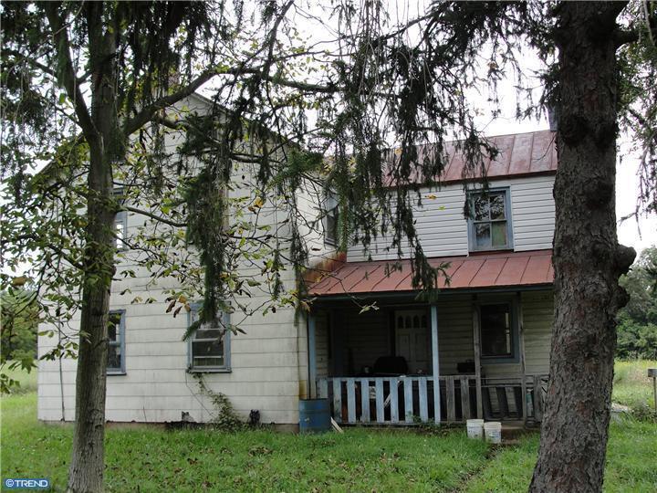 3192 N Charlotte St, Gilbertsville, Pennsylvania 19525