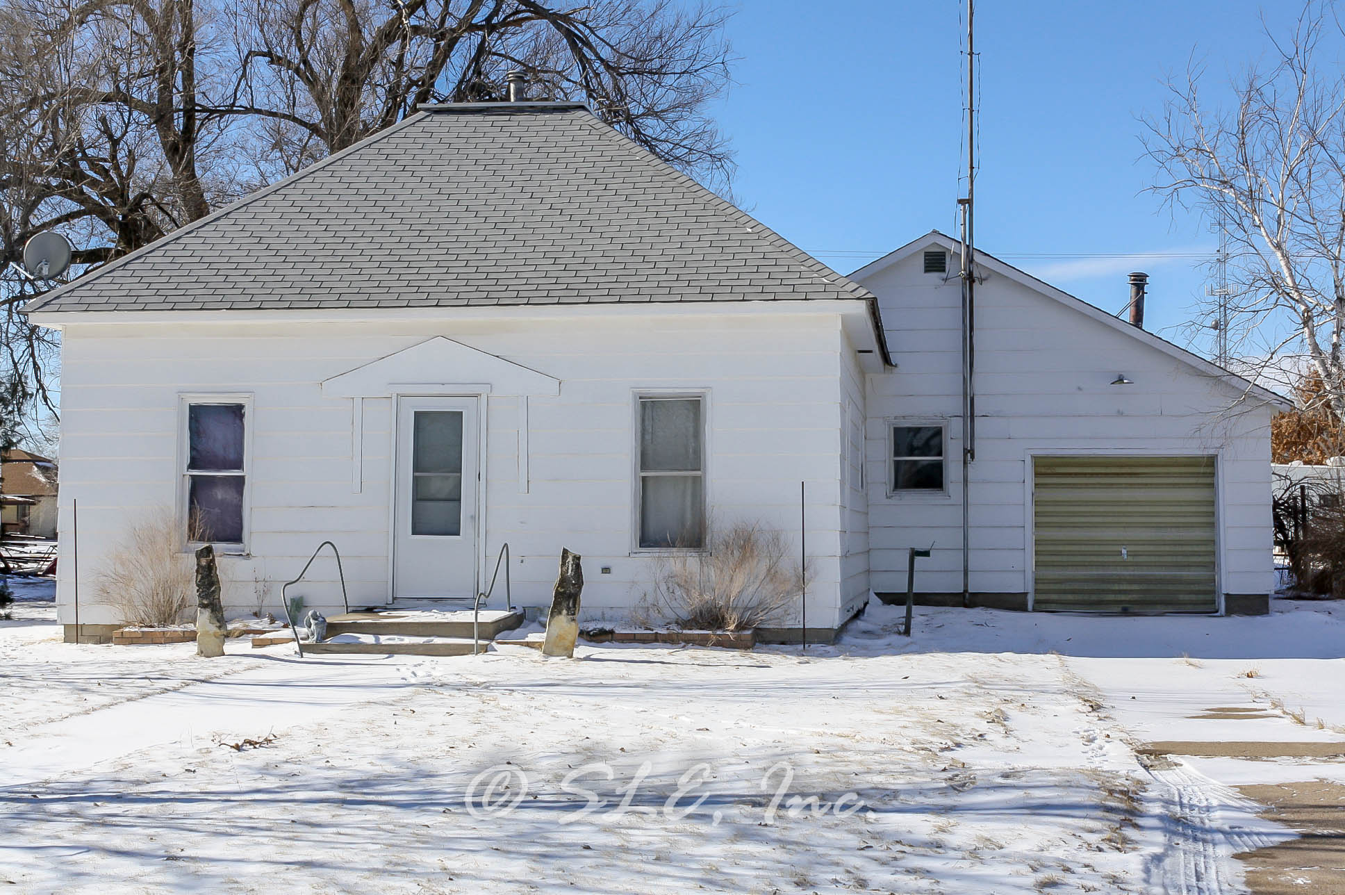706 N Exchange, St. John, Kansas 67576